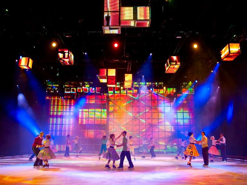 Rudi_Enos_Design_Holiday_On_Ice_08.jpg
