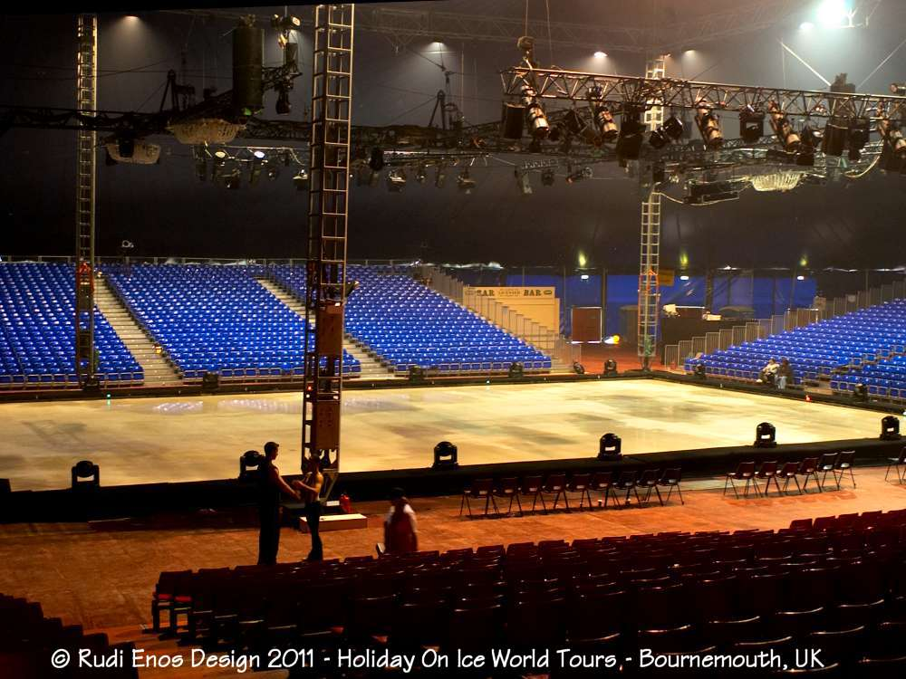 18_Rudi_Enos_Design_Worlds_Largest_Holiday_On_Ice_04.jpg