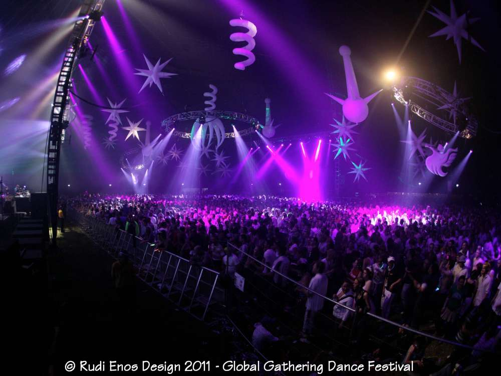 39_Rudi_Enos_Design_Worlds_Largest_Global_Gathering_08.jpg