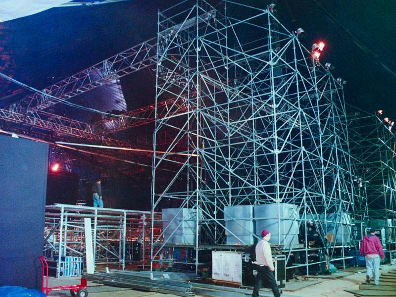 Special_Structures_Lab_Stage_Truss_02.jpg