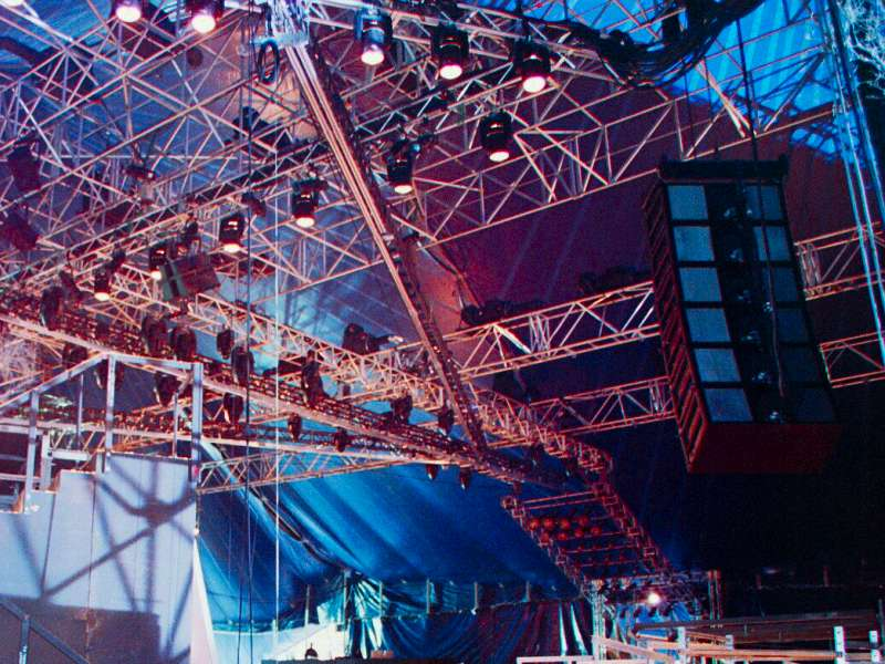 Special_Structures_Lab_Stage_Truss_06.jpg
