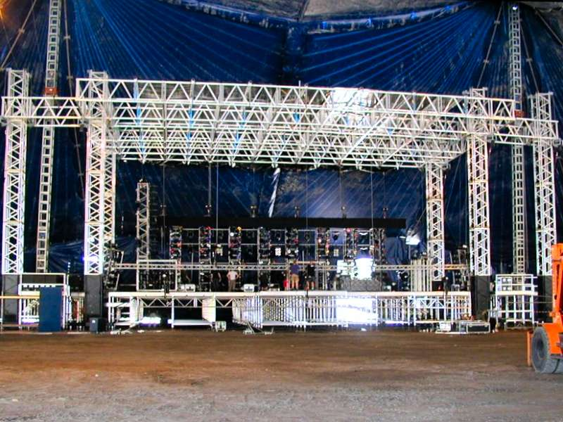 Special_Structures_Lab_Stage_Truss_18.jpg